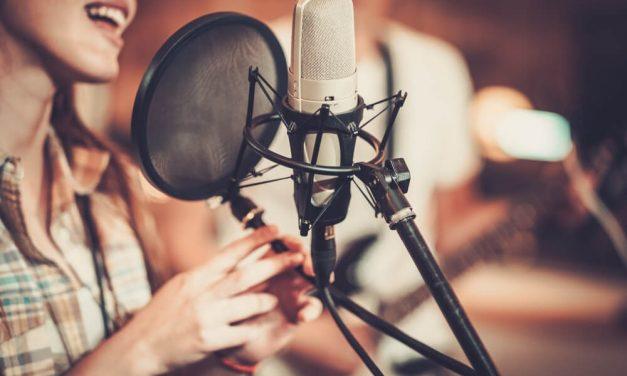 Conheça as 6 principais cantoras evangélicas do Brasil